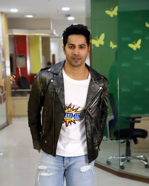 Varun Dhawan - Photos: Promotion Of Film Street Dancer 3D At Radio Mirchi Office