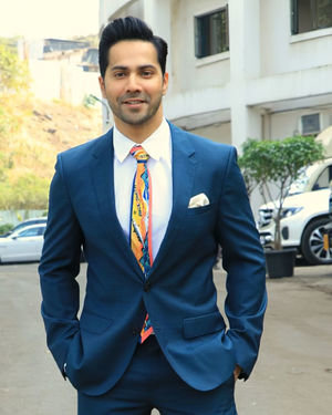 Varun Dhawan - Photos: Promotion Of Film Street Dancer On The Sets Of Indian Idol 11 | Picture 1714714