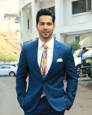 Varun Dhawan - Photos: Promotion Of Film Street Dancer On The Sets Of Indian Idol 11 | Picture 1714712