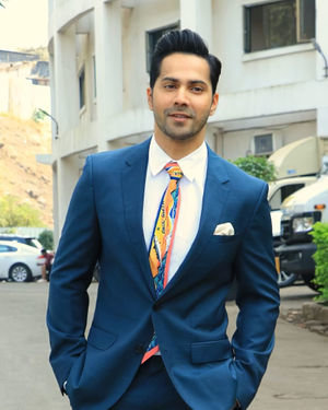 Varun Dhawan - Photos: Promotion Of Film Street Dancer On The Sets Of Indian Idol 11 | Picture 1714713