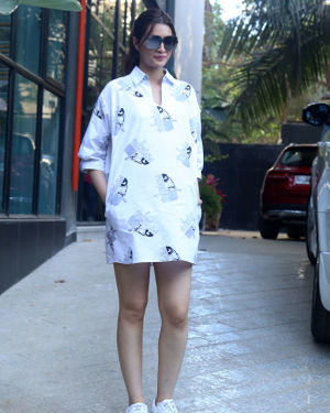 Kriti Sanon - Photos: Celebs Spotted At Maddock Office In Santacruz | Picture 1715154