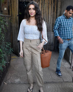 Shraddha Kapoor - Photos: Celebs Spotted At Versova | Picture 1715071