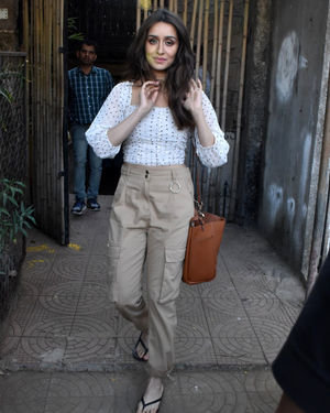 Shraddha Kapoor - Photos: Celebs Spotted At Versova | Picture 1715070
