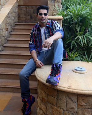 Varun Dhawan - Photos: Promotion Of Film Street Dancer At Jw Marriott | Picture 1714982