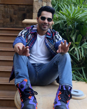 Varun Dhawan - Photos: Promotion Of Film Street Dancer At Jw Marriott | Picture 1714983