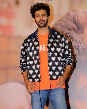 Kartik Aaryan - Photos: Trailer Launch Of Film Love Aaj Kal 2   Picture 1715904