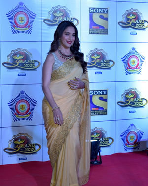 Madhuri Dixit - Photos: Celebs At Umang Police Festival At Jio World Centre | Picture 1716224