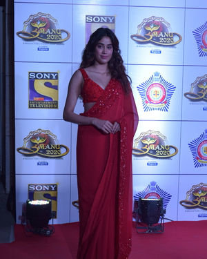 Janhvi Kapoor - Photos: Celebs At Umang Police Festival At Jio World Centre | Picture 1716091