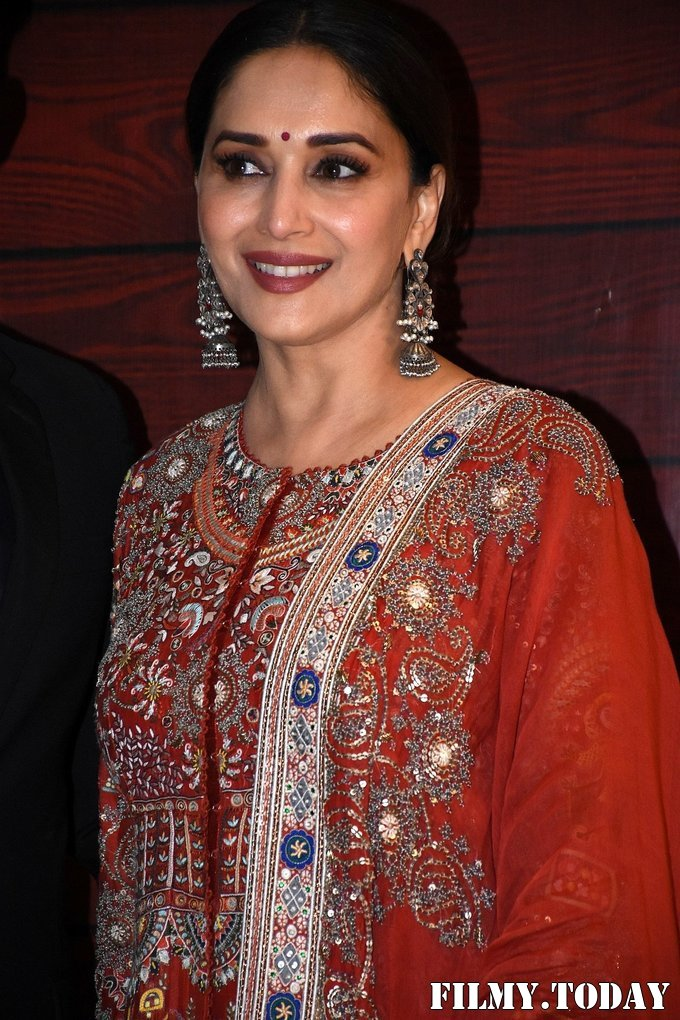 Madhuri Dixit - Photos: Javed Akhtar Birthday Party At Taj Lands End   Picture 1716014