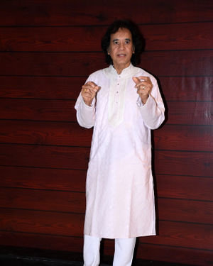 Photos: Javed Akhtar Birthday Party At Taj Lands End