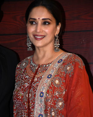 Madhuri Dixit - Photos: Javed Akhtar Birthday Party At Taj Lands End | Picture 1716014