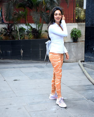 Kiara Advani - Photos: Celebs Spotted at Santacruz