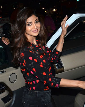 Shilpa Shetty - Photos: Celebs Spotted At Andheri | Picture 1716553