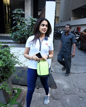 Genelia D Souza - Photos: Celebs Spotted At Gym In Bandra | Picture 1716527