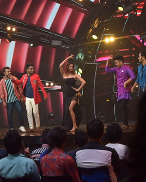 Photos: Promotion Of Film Malang On The Sets Of Indian Idol | Picture 1716469