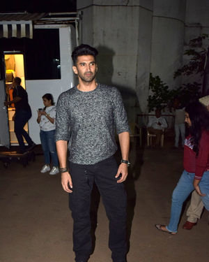 Aditya Roy Kapur - Photos: Promotion Of Film Malang On The Sets Of Indian Idol | Picture 1716450