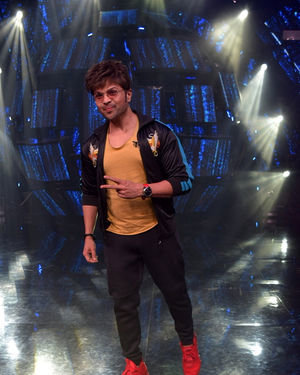 Himesh Reshammiya - Photos: Promotion Of Film Malang On The Sets Of Indian Idol | Picture 1716478