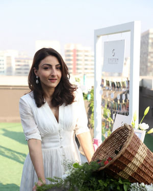 Photos: Soha Ali Khan At The Launch Of New Haircare Brand INESSENCE | Picture 1716441