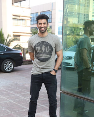 Aditya Roy Kapur - Photos: Promotion Of Film Malang At Luv Films Office | Picture 1716791