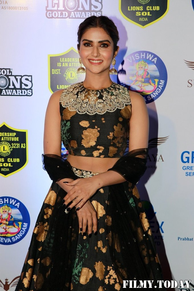Pranutan Bahl - Photos: Celebs At 26th Lions Gold Awards | Picture 1717466