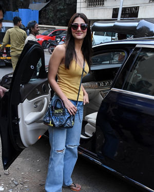 Vaani Kapoor - Photos: Celebs Spotted At Bandra | Picture 1717522