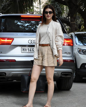 Kriti Sanon - Photos: Celebs Spotted At Santacruz