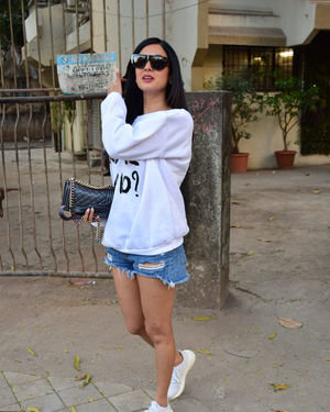 Sonal Chauhan - Photos: Celebs Spotted At Kromakay Salon In Juhu | Picture 1717894