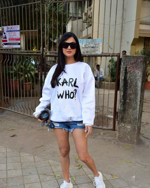 Sonal Chauhan - Photos: Celebs Spotted At Kromakay Salon In Juhu | Picture 1717896