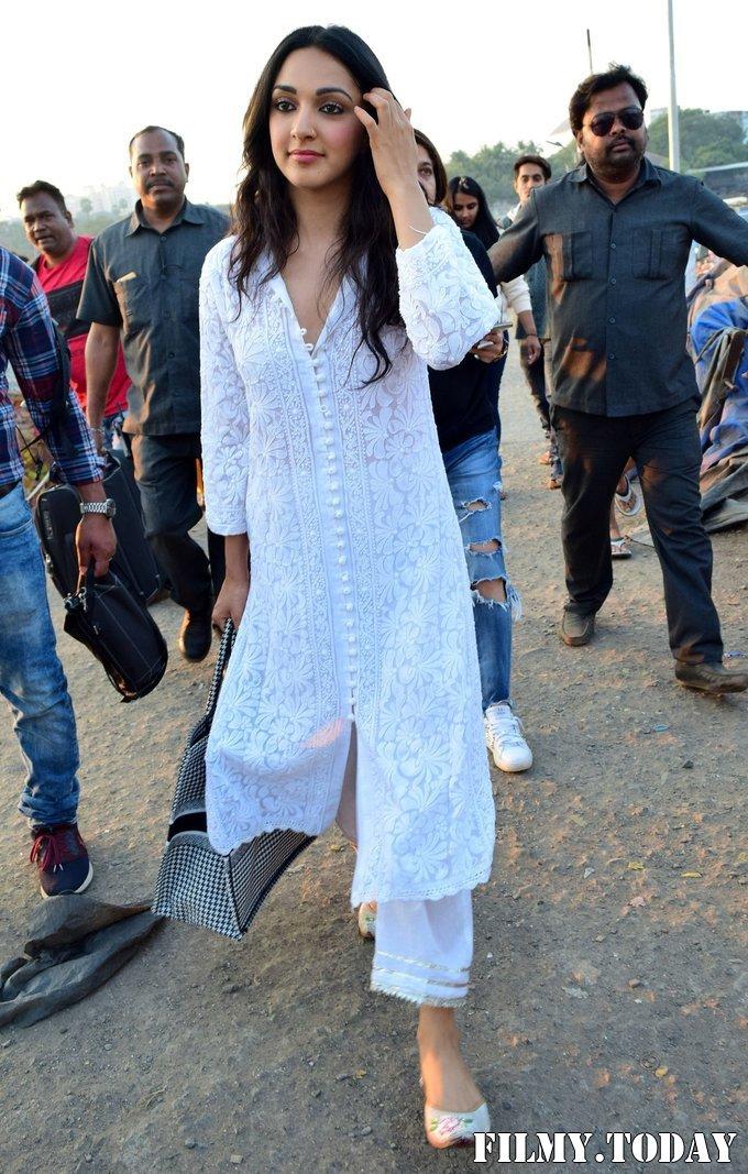 Kiara Advani - Photos: Celebs Spotted At Versova | Picture 1717846