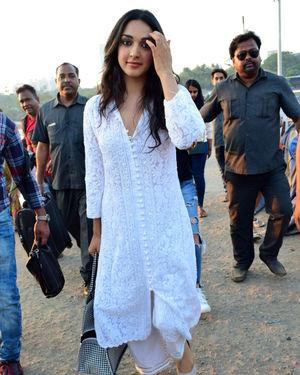 Kiara Advani - Photos: Celebs Spotted At Versova | Picture 1717845