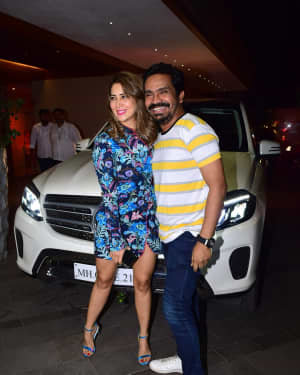Photos: Coolie No 1 Wrap Up Party At Jackky Bhagnani's House | Picture 1724224