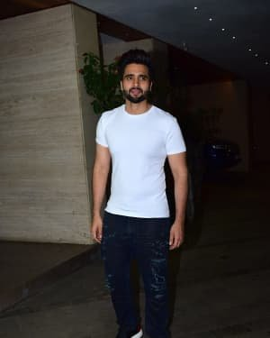Jackky Bhagnani - Photos: Coolie No 1 Wrap Up Party At Jackky Bhagnani's House | Picture 1724269