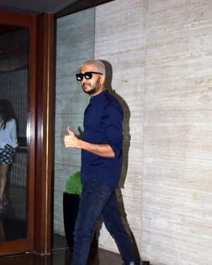 Photos: Coolie No 1 Wrap Up Party At Jackky Bhagnani's House | Picture 1724257