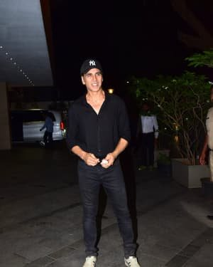 Akshay Kumar - Photos: Coolie No 1 Wrap Up Party At Jackky Bhagnani's House | Picture 1724220