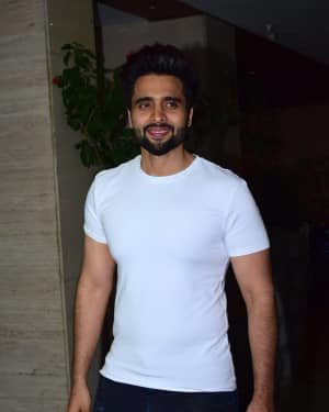 Jackky Bhagnani - Photos: Coolie No 1 Wrap Up Party At Jackky Bhagnani's House