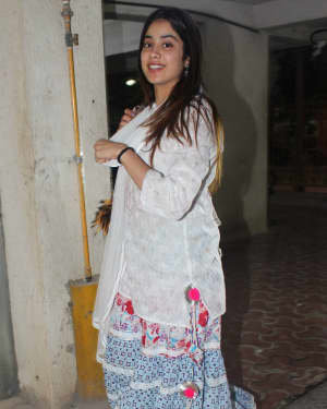 Photos: Janhvi Kapoor Spotted At Arjun Kapoor's House   Picture 1724292