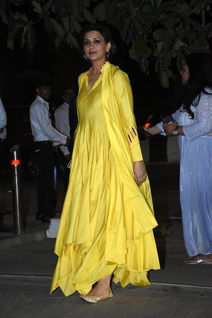 Sonali Bendre - Photos: Isha Ambani's Holi Party At Her Residence In Worli | Picture 1725394