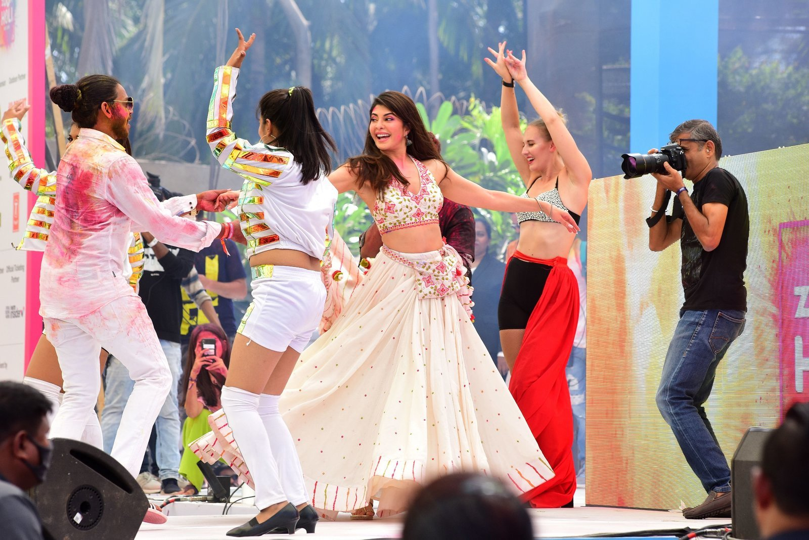 Photos: Zoom Holi Party 2020 At Taj Lands End | Picture 1725843
