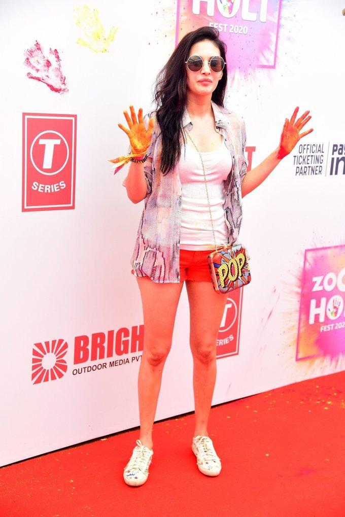 Amyra Dastur - Photos: Zoom Holi Party 2020 At Taj Lands End   Picture 1725807