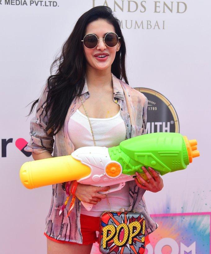 Amyra Dastur - Photos: Zoom Holi Party 2020 At Taj Lands End | Picture 1725811