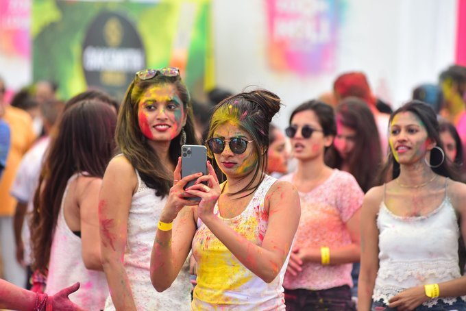 Photos: Zoom Holi Party 2020 At Taj Lands End   Picture 1725815