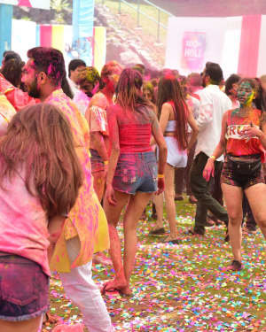 Photos: Zoom Holi Party 2020 At Taj Lands End | Picture 1725818