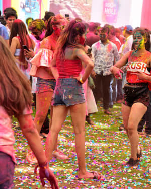 Photos: Zoom Holi Party 2020 At Taj Lands End | Picture 1725819