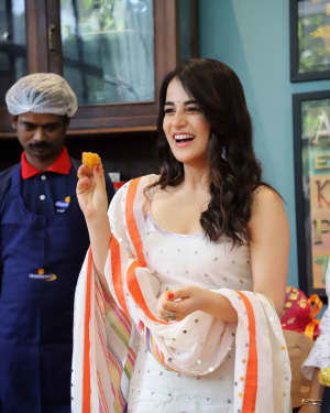 Photos: Radhika Madan Turns Halwai During The Promotions Of Angrezi Medium | Picture 1726359