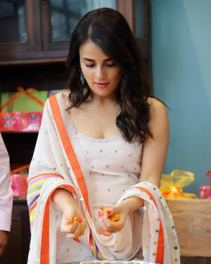 Photos: Radhika Madan Turns Halwai During The Promotions Of Angrezi Medium | Picture 1726357