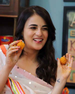 Photos: Radhika Madan Turns Halwai During The Promotions Of Angrezi Medium | Picture 1726366