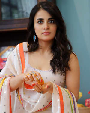 Photos: Radhika Madan Turns Halwai During The Promotions Of Angrezi Medium | Picture 1726368