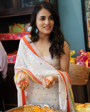 Photos: Radhika Madan Turns Halwai During The Promotions Of Angrezi Medium | Picture 1726365