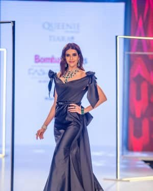 Photos: Karishma Tanna Walks Ramp At Bombay Times Fashion Week 2020 | Picture 1726699