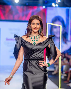 Photos: Karishma Tanna Walks Ramp At Bombay Times Fashion Week 2020
